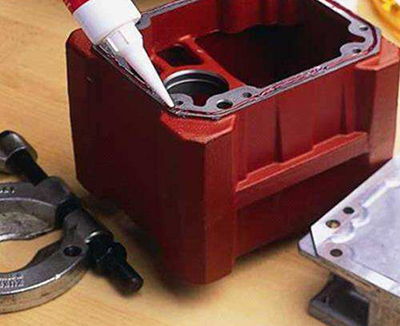 平面密封厌氧胶应用在汽车发动机上